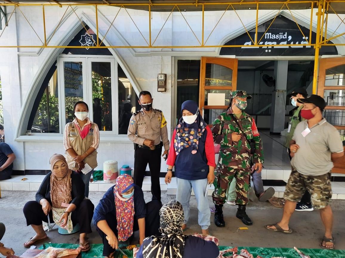 Tripilar Kelurahan Suryodiningratan Pantau Pelaksanaan Rangkaian Hari Raya Idul Adha